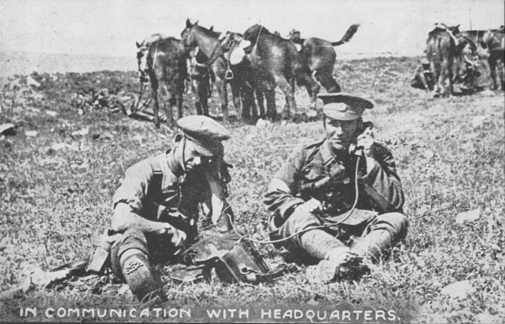 First World War soldiers using field telephones © BT Heritage & Archives